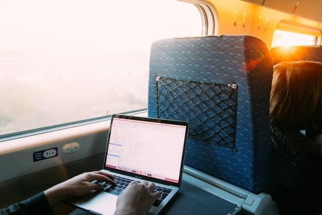 Why, With the Right Tech, You Can Work Even on the Morning Train